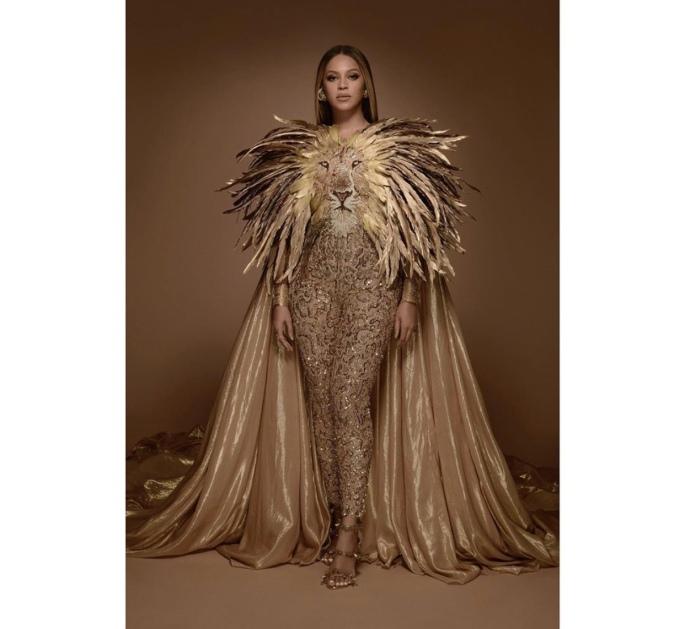 Full look of Beyoncé at Wearable Met Gala