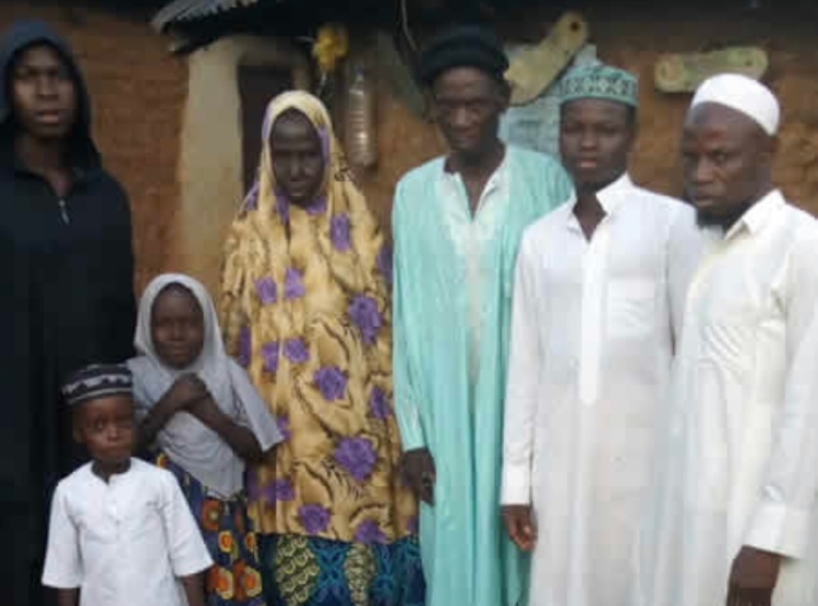 96 year-old man weds his 73-year-old heartthrob in Abuja (photo)